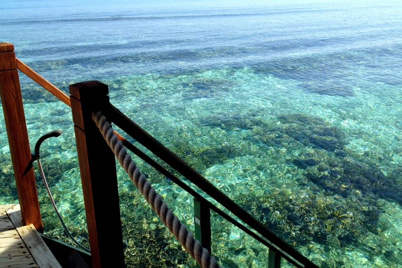 Mirihi-Maldives-water-villa-steps